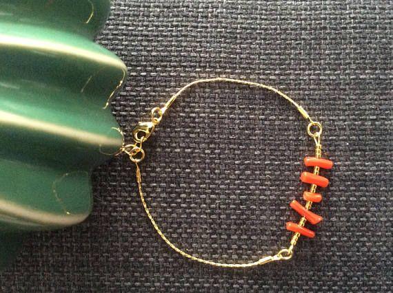 Bracelet fin, corail, miyuki doré