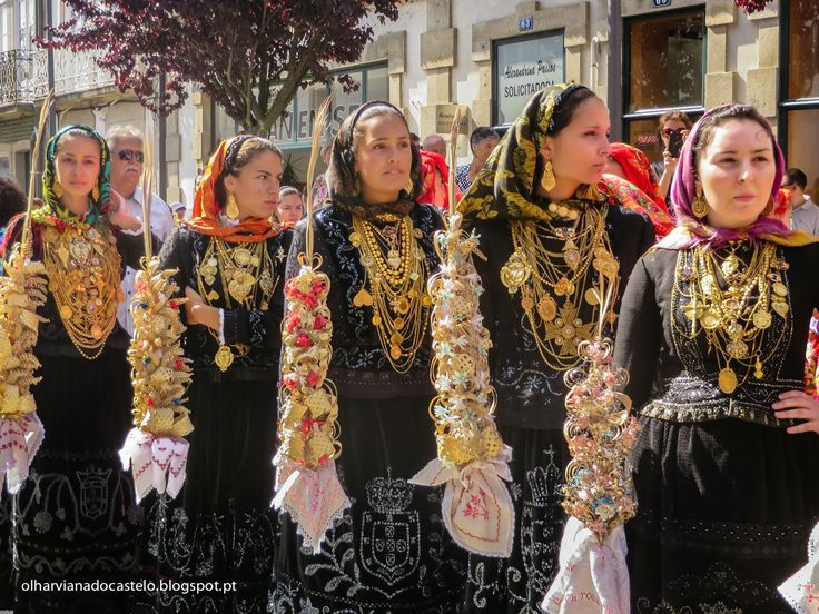 viana do castelo single catholic girls Portugal festivals (festas): see the festa das fogaceiras held annually on january 20 in santa maria da feira sees young girls in nazare and viana do castelo.