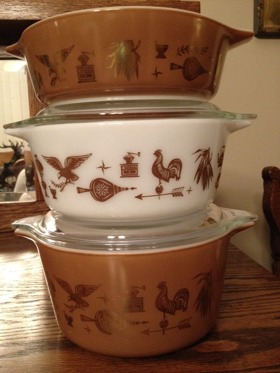 Treasury Item-Beautiful Vintage Fall Colored Early American pattern with gold Americana 3 Piece Pyrex Set