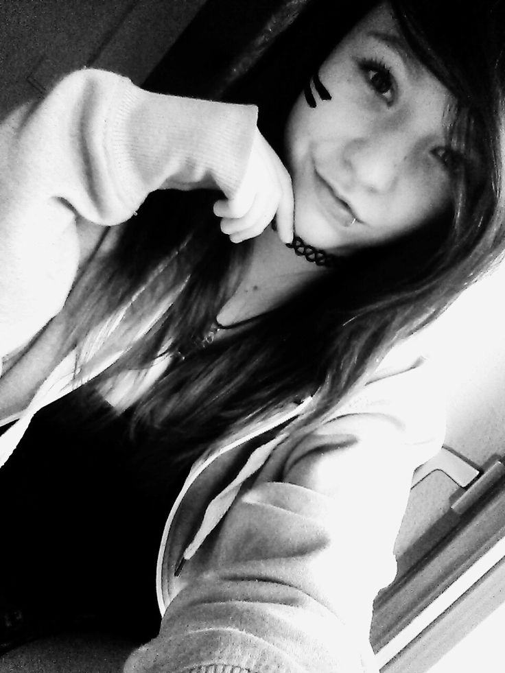 Hi!!^^  I'm ZombiesMia7 !! X3