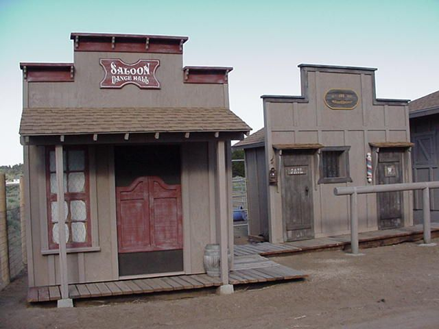 4 Saloon And Jail Pioneer Town Rd Cowboy Towns Old