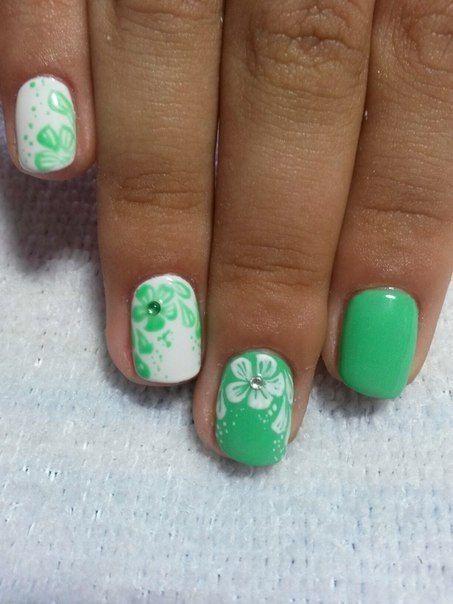 Бело-зеленый маникюр, Дизайн ногтей белый с зеленым, Зеленые ногти, Зеленый…