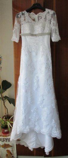 Prodám bílé svatební šaty s vlečkou - 1