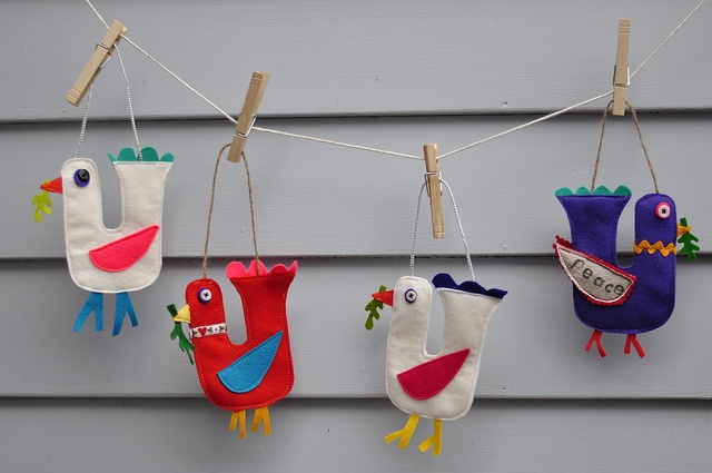 Felt Bird Ornaments by RunLoriRun, via Flickr