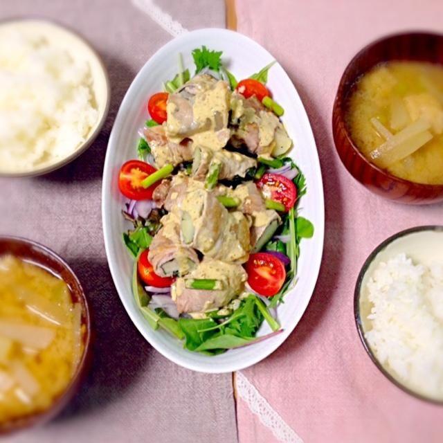 クックパッド先生より。美味しかった( ´ ▽ ` )ノ - 3件のもぐもぐ - 豚肉のエリンギ&ポテト巻き柚子胡椒ダレ、サラダ、大根と油揚げの味噌汁、ご飯。 by asumi1022