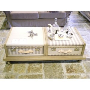 Table basse Artcopi  Malles et Valises http://www.ideesboutique.com/tables-basses-tables-de-salon/4136-table-basse-malles-et-valises-artcopi.html