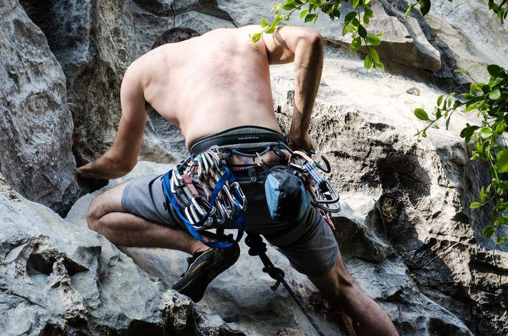 Rock climbing in Cat Ba island (Có hình ảnh)