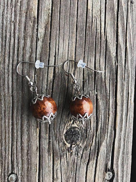 Earrings with wooden beads