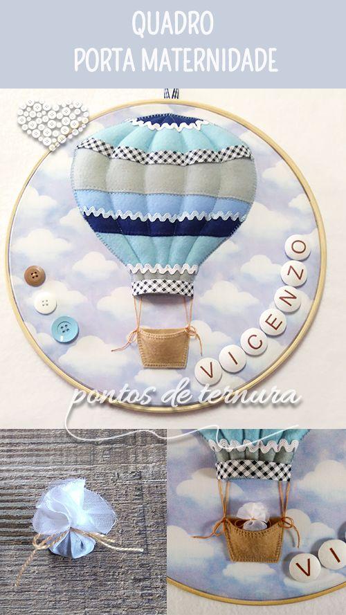 Quadro Porta Maternidade modelo bastidor Balão. Confeccionado em tecido 100% algodão, feltro, fibra siliconada e botões de madeira e massa. Personalizado com o nome do bebê. Pode ser projetado com tema, cores e estampas à sua escolha. R$ 165,00