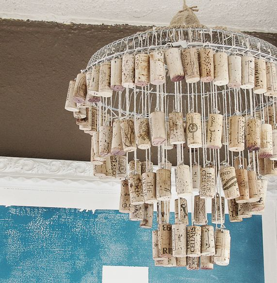 Recycled wine cork projects are more everywhere these days, but this is the first time I have seen a DIY Wine Cork Chandelier! Head to Mox & Fodder for the details. For More Wine Cork I...