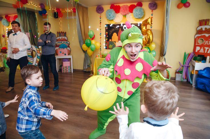 День Рождения Демьяна 🎂 в стиле Динозавров.  Игры, танцы и наше любимое бумажное шоу 👍👍👍    📲 Тел: 969-62-83  🔎 Сайт: artaholiday.ru  🏦 Группа: vk.com/arta_holiday