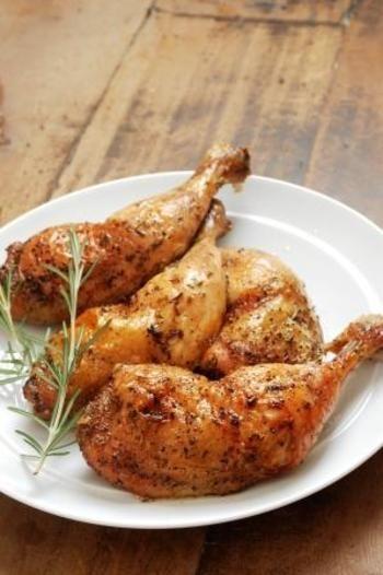 お手軽から本格派まで☆クリスマスにおうちで楽しむチキン料理レシピ ... ローストハーブチキン