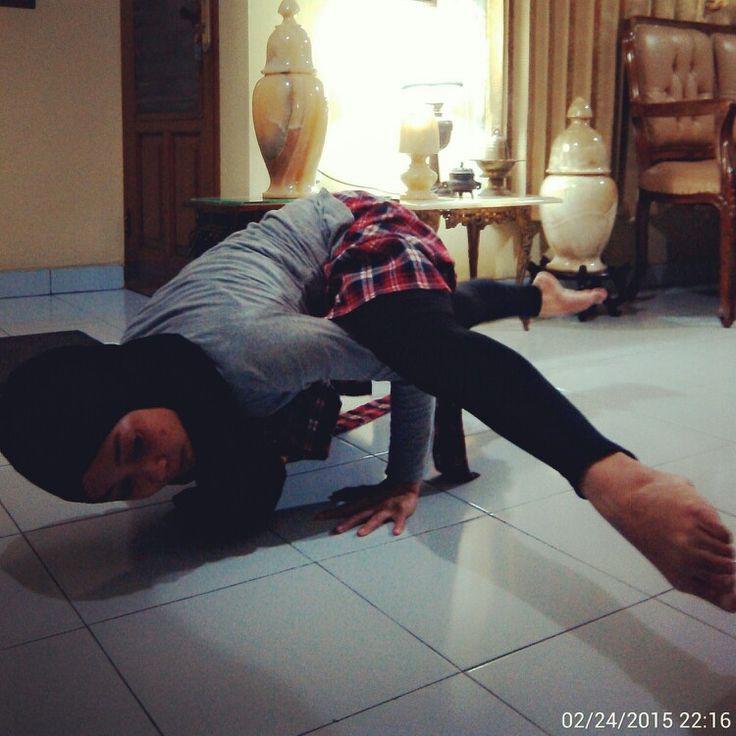 The hardest pose… #Namaste #YogaPractice #ArmBalance #ArmStrength #CoreStrength