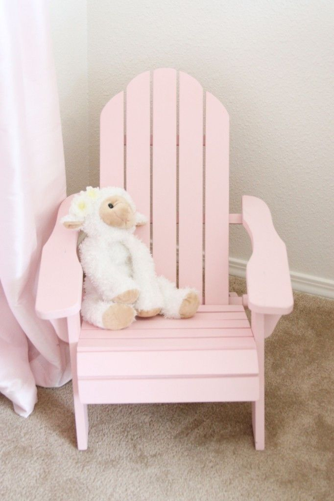 How sweet is this mini-adirondack chair for a child's room?Nurseries Room, Madisyn Shabby, Sweets Pink, Girls Chairs, Soft Pink, Shabby Chic Nurseries, Kids Room, Simply Ciani, Baby Pink