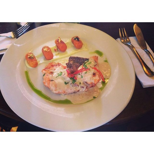 Trucha con ñoquis de camote 🐟👌🏽sigo en Cuzco, disfrutando de sus paisajes y comida 😍 #food #foodporn #foodie #foodgasm #foodpics #foodphotography #foodstagram #foodblogger #foodlover #foods #foodoftheday #blog #blogger #comida #delicioso #travel #latina #peru #america #seafood #cuzco
