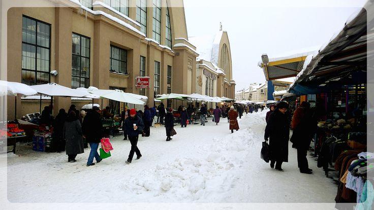 Rīga (Lettonia). Esterno Mercato Centrale.