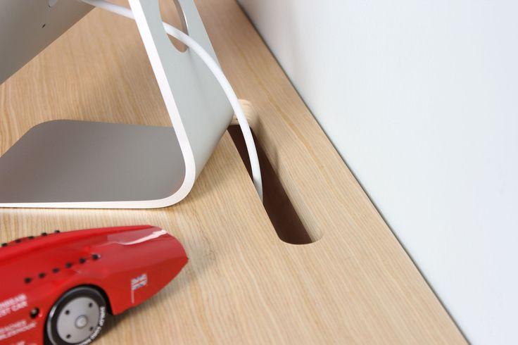 Float Wall Desk, detalle