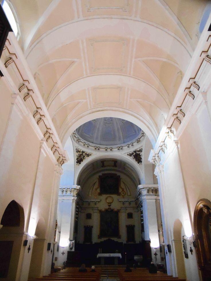 Iglesia del antiguo Convento de la Merced. Tiene planta jesuítica con una nave de estilo barroco y capillas laterales comunicadas mediante arcos.