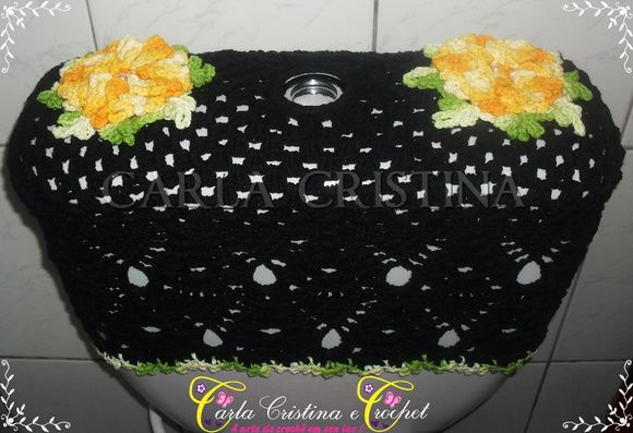 Capa Para Caixa Acoplada Morango Azaleia | carla cristina e crochet | Elo7