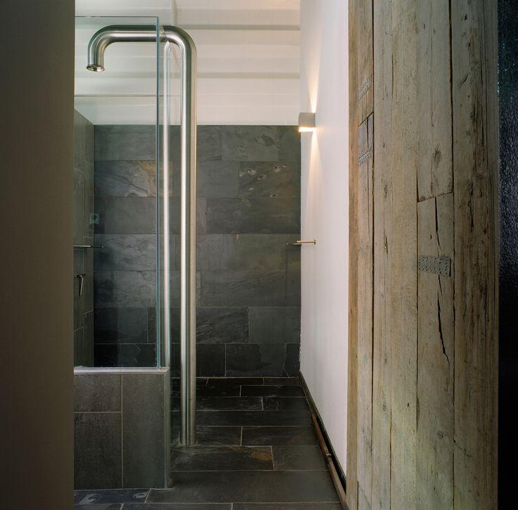 Badkamer met natuursteen via Nibo Stone