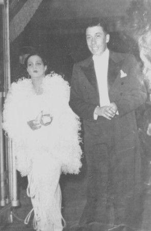 Le 4 avril 1925, à 22 ans, il épouse Henriette Manse, la sœur d'un inséparable copain. Ils auront trois enfants (Josette en 1926, Janine en ...