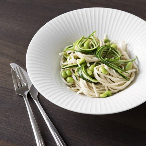 This beautiful, deep pasta plate from Kähler's Hammershøi range is an elegant design statement on any dinner table.