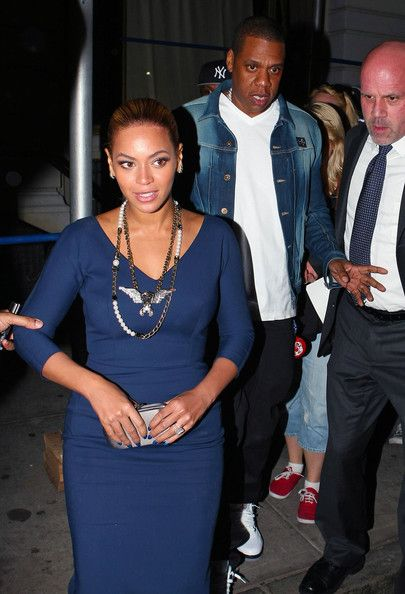 Beyonce Knowles Photos - Beyonce and Jay-Z leave the Nobu restaurant after dinner in New York City, NY on March 19, 2012. - Beyonce And Jay-Z Leaving The Nobu Restaurant