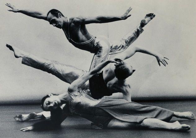 Beautiful picture of José Limón dancing.