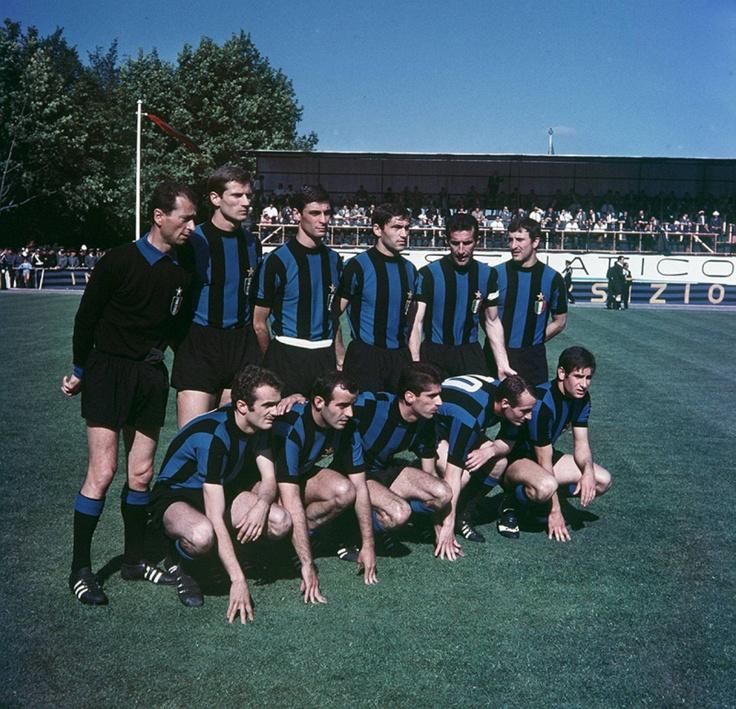 Football Club Internazionale Milano. 1966/67 Giuliano Sarti, Armando Picchi (c), Tarcisio Burgnich, Aristide Guarneri, Giacinto Facchetti, Gianfranco Bedin, Mauro Bicicli, Mario Corso, Angelo Domenghini, Sandro Mazzola, Renato Cappellini