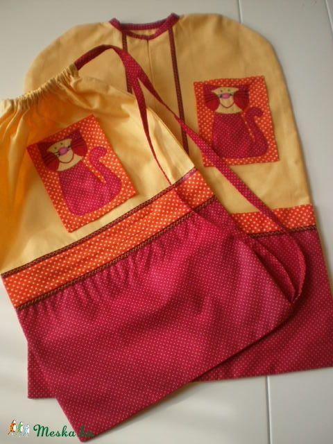 Piros-narancs pettyes ovisák- tornazsák szett  cica jellel, Baba-mama-gyerek, Táska, Tarisznya, Baba-mama kellék, Meska