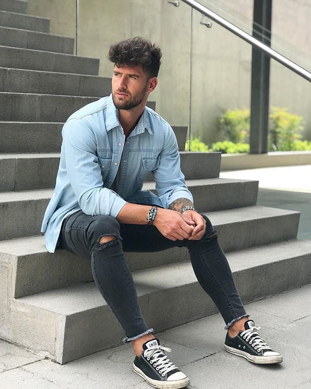Style by @valentinbenet Via @streetfitsgallery Yes or no? Follow @mensfashion_guide for dope fashion posts! #mensguides #mensfashion_guide