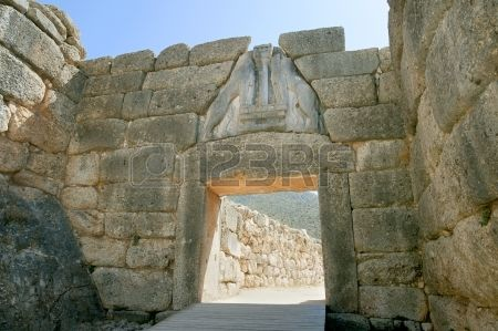23310799-liongates-in-ancient-mycenae-peloponnese-greece.jpg (450×299)