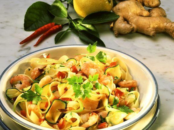 Bandnudeln mit Shrimps ist ein Rezept mit frischen Zutaten aus der Kategorie Garnelen. Probieren Sie dieses und weitere Rezepte von EAT SMARTER!