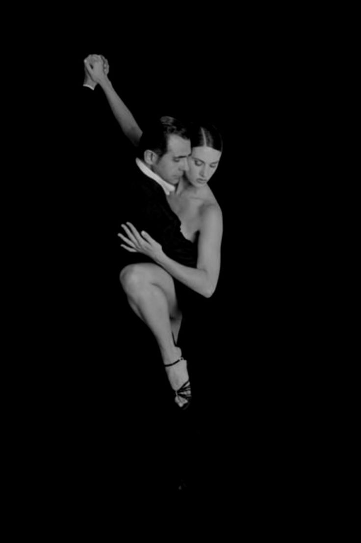 Argentine Tango.  #dancers #dancing #blackandwhite