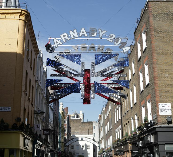 #CarnabyStreet symbolises quintessential #London style.  Repinned fron @Carnaby London