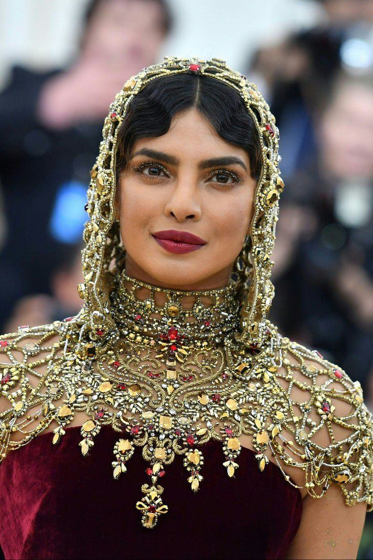 Priyanka Chopra S Stunning Met Gala Headpiece Deserves Your Full Undivided Attention Met Gala 2018 Met Gala Dresses Fashion