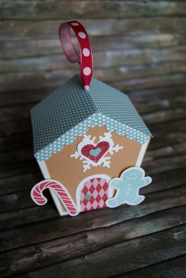 Lebkuchenhaus aus Tonpapier ⭐️ Gingerbread-House (Alles nach Vorlage ausschneiden und zusammenkleben) ➡️Vorlage und Anleitung unter diesem Link