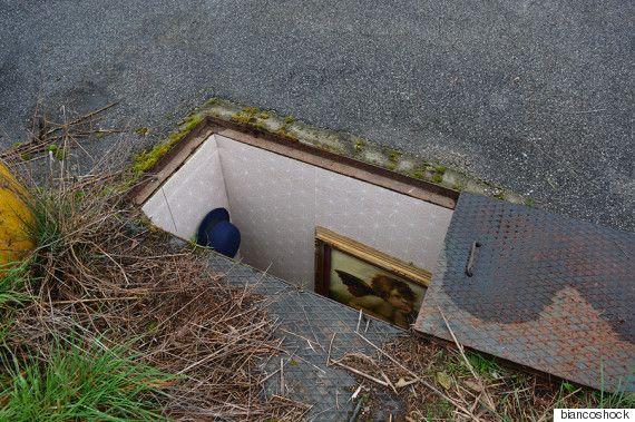 맨홀 아래에 방과 주방, 욕실을 만들었다 by Biancoshock