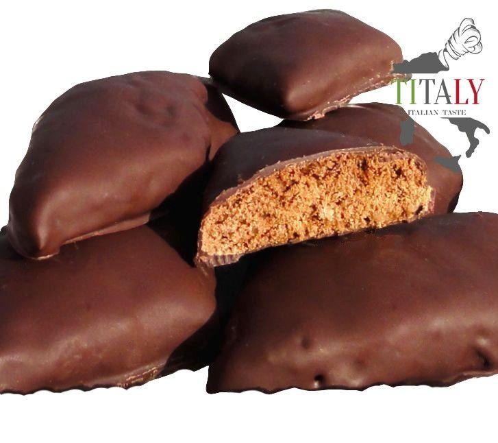 MOSTACCIOLI NAPOLETANI  I Mostaccioli Napoletani fanno parte dei dolci Natalizi della tradizione Napoletana e Campana. Hanno un sapore speziato e forma di un romboide e sono ricopeti da una deliziosa glassa di cioccolata. Scadenza: da consumare entro 30-35 giorni dalla data di produzione #Titaly #prodottiTipiciCampani