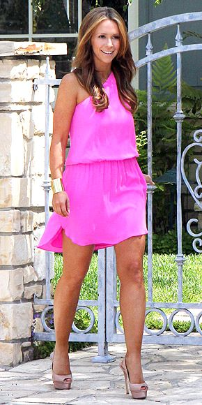 bright pink, gold accessories, & nude pumps