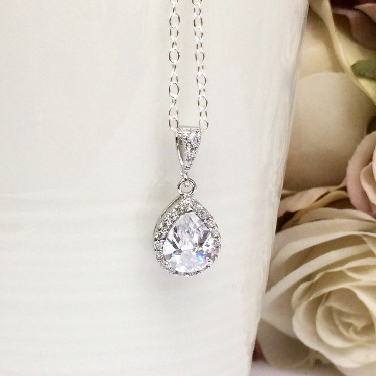 Teardrop bridal necklace by Colour and Sparkle. Visit our Etsy store for more wedding jewellery and bridal accessories