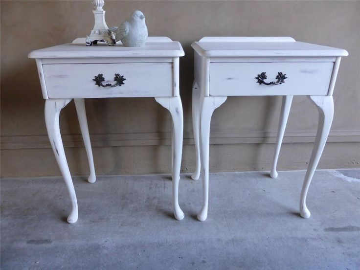 2 French Provincial Shabby Chic Queen Anne Bedside Side Lamp Tables