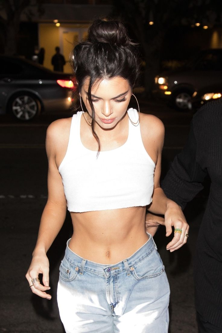 November 2: Kendall arriving at Petite Taqueria for her birthday party in West Hollywood [HQs]