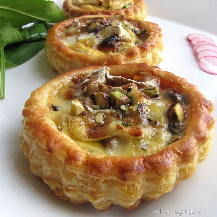 CARAMELISED ONION PEAR THYME AND CAMEMBERT TART WITH PISTACHIOS AND ...
