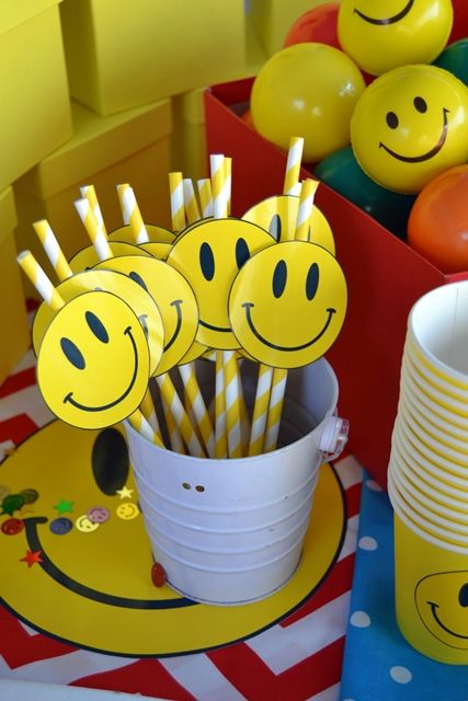 Smiley Face Straws