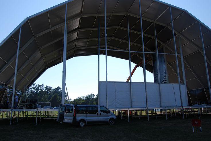 Últimos preparativos  #montagem #palcoprincipal #recinto #vilardemouros #festival