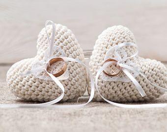 Anillo portador Anillo almohada boda ceremonia anillo soporte almohada ganchillo marfil almohada anillo alternativo amortiguador pastel de bodas Topper recuerdo del corazón