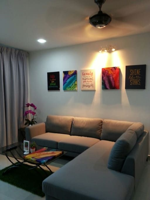 Apartment in Kuala Lumpur, Malaysia. My place is close to family-friendly activities and public transport. My place is good for business travelers, families (with kids), and big groups.  If you wish to visit a patient at HUKM, or your child at Sekolah Menengah Sains Selangor, or perh...