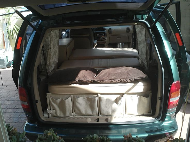 les 25 meilleures id es de la cat gorie chrysler voyager. Black Bedroom Furniture Sets. Home Design Ideas