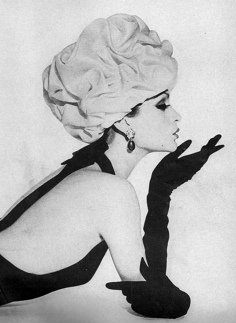 Balenciaga    Model Isabella Albonico is wearing a Balenciaga creation and photographed by Gleb Derujinsky.    Harper's Bazaar,April 1961